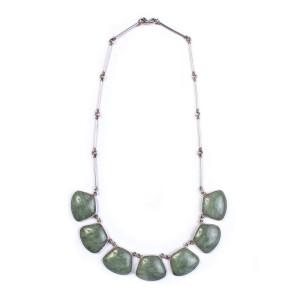 Collier de jade et d'argent