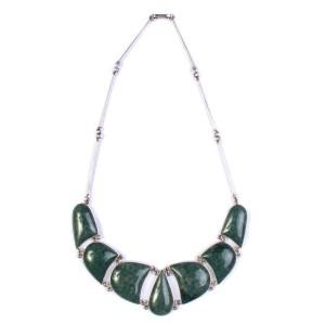 Collar de jade y plata