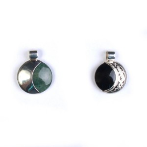 Small pendant half-moon
