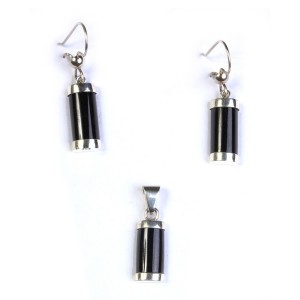 Set of pendant and earrings of reeds