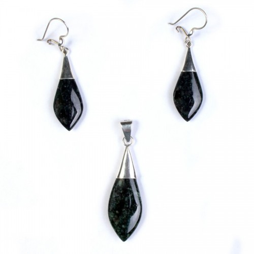 Set of pendant and earrings in drop of water