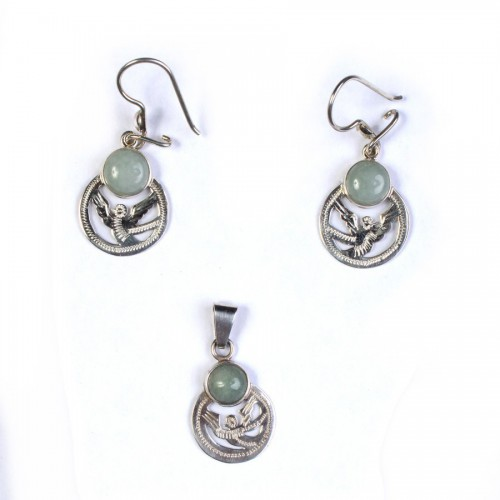 Set of pendant and earrings of Quetzal